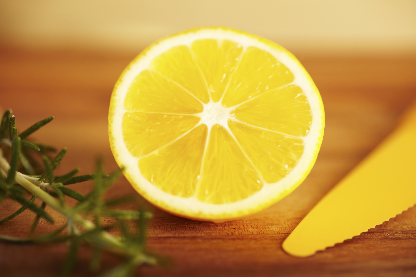 Lemon Juice - home remedy for tonsil stones