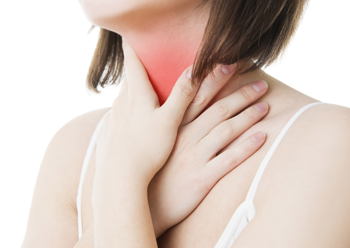 how to get rid of a sore throat naturally