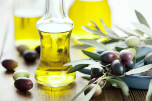 Olive Oil helps in getting rid of acne scars