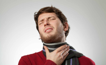 sore throat and difficulty in swallowing due to tonsillolitis