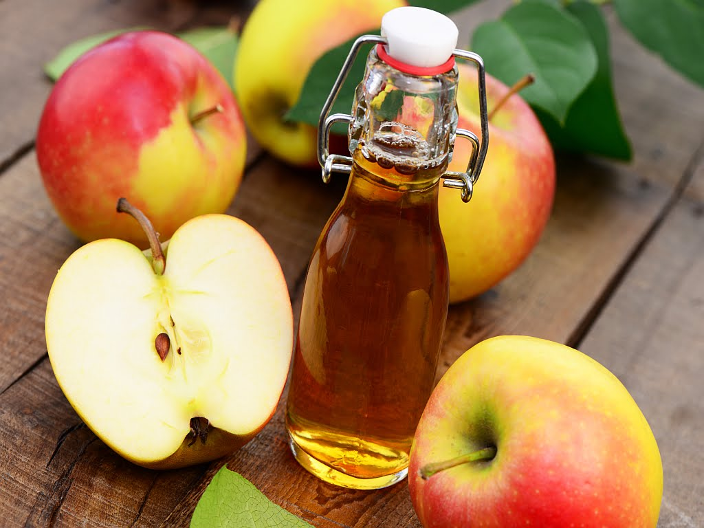 Apple Cider Vinegar to get rid of white stuff in throat