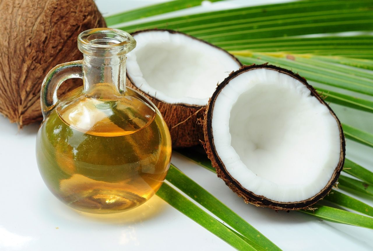 DIY hair mask with Coconut Oil