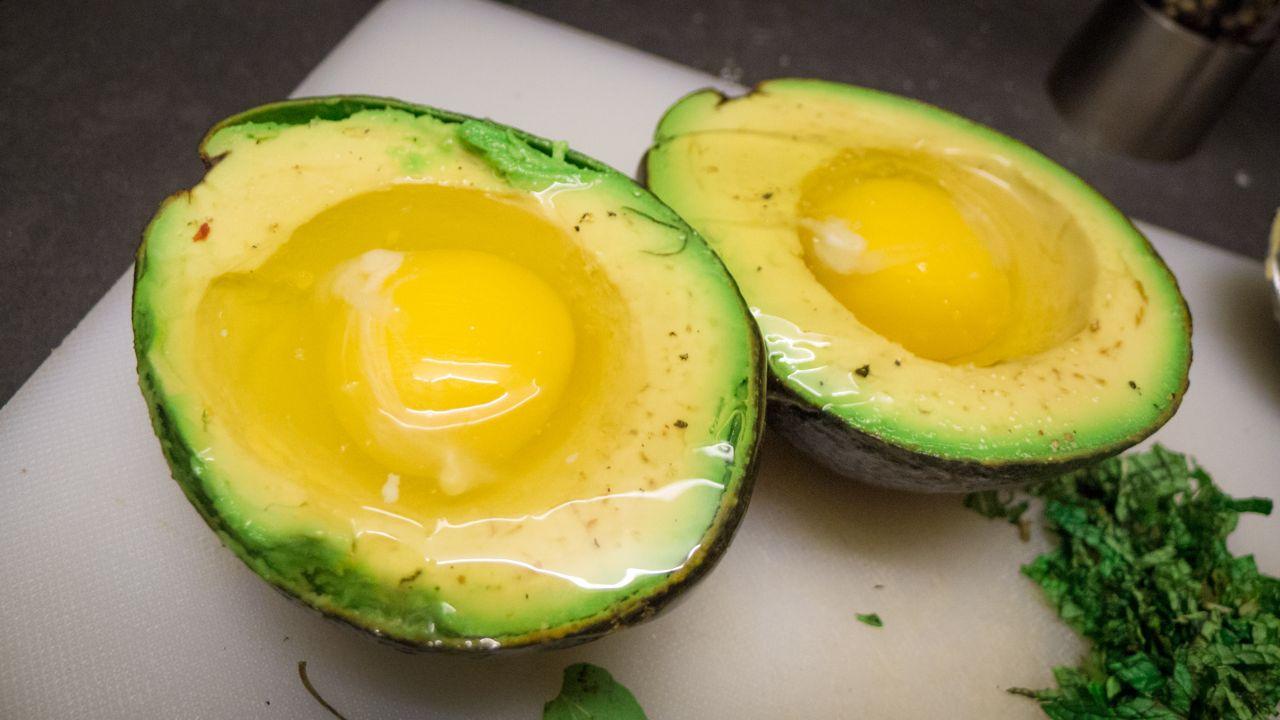 avocado hair mask for dry hair